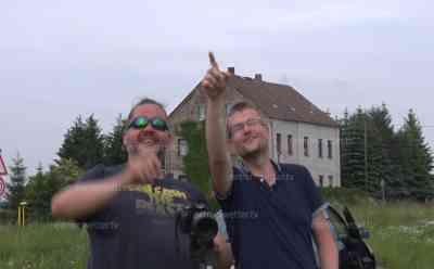 (Reportage Sturmjäger) Sturmjäger warten auf Unwetter: Sturmjäger aus Sachsen warten auf Unwetter, analysieren Radarbilder und machen erste Fotos, erwarten heftige Unwetter: Interview mit zwei Sturmjägern aus Sachsen, brisante Unwetterlage bahnt sich an