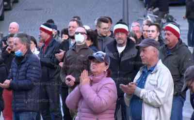 """Immer mehr Coronademos in Sachsen: Alleine am Montag ca. 9 angemeldete Versammlungen im Erzgebirgskreis, ca. 40 Versammlungen in Sachsen, immer mehr Menschen versammeln sich auf den Straßen: Menschen werden """"Lock-Down-Müde"""", mehrere Monate Lock Down – vielen Menschen reicht es mittlerweile"""