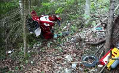 Kurioser Unfall fordert Leben – Mann verunfallt mit Krankenfahrstuhl am Berg tödlich:  Gutachter soll Ursache klären – Krankenfahrstuhl überhaupt nicht für den Berg geeignet
