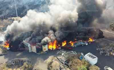 Lavahölle: Neues Feuerinferno auf der Urlaubsinsel La Palma, Häuser und Autos stehen in Flammen, Bananenplantagen brennen, neue glühende Lavaströme durchziehen das Katastrophengebiet, starke Erdbeben lassen die Erde zittern: Neue dramatische Bilder aus dem Urlaubsparadis