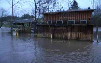 Hochwasser: Starke Überflutungen in Franken, markantes Hochwasser im Raum Seußen, Grundstücke überflutet, Brücken fassen Wassermassen kaum mehr: Hochwasserstufe 3 vielerorts überschritten, Pegel steigen weiter, Straßen überflutet